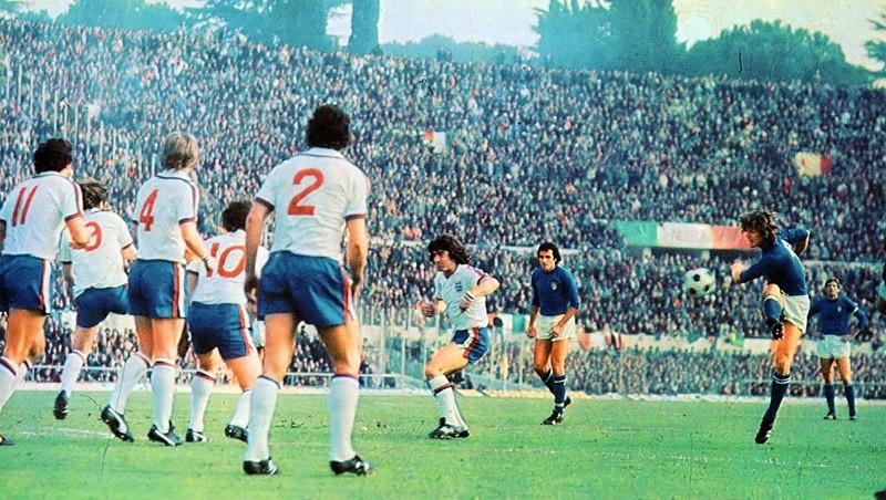 Gol di Antognoni, Italia-Inghilterra, 1976 - storiedicalcio.altervista.org