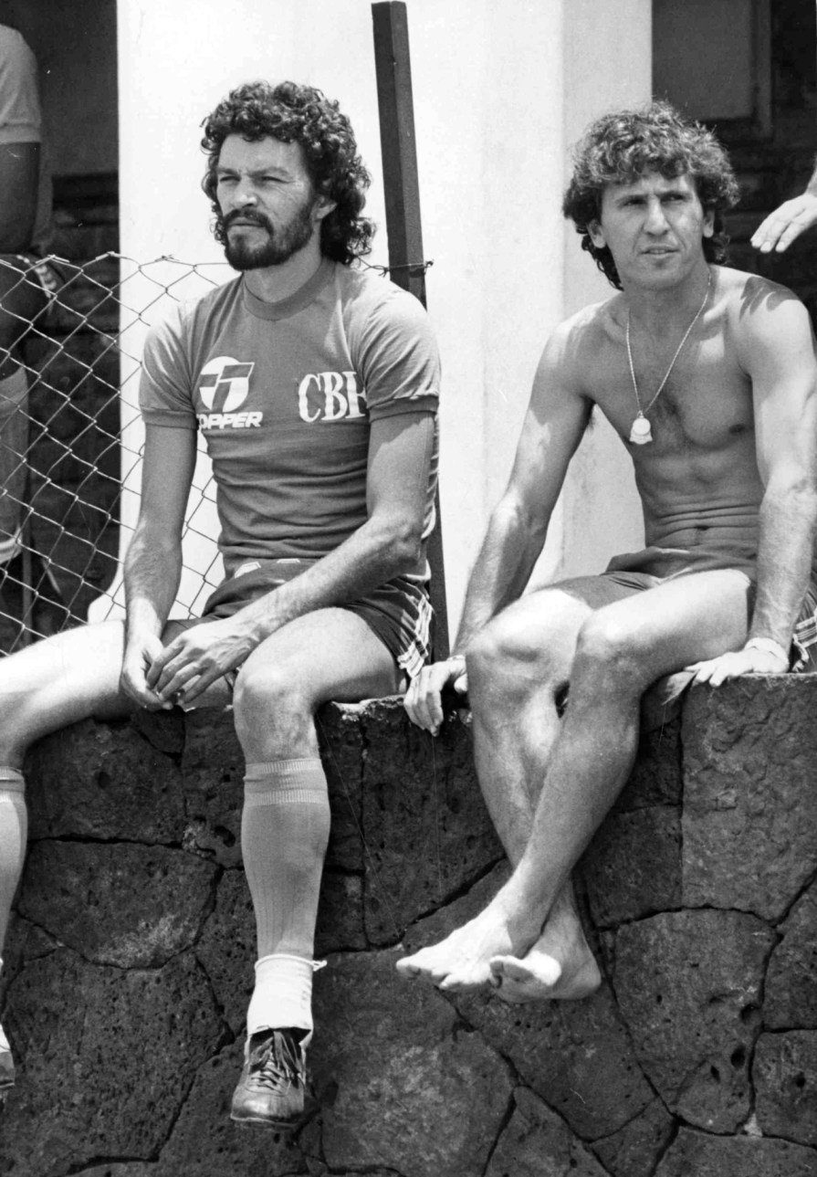 Socrates e Zico - thesefootballtimes.com