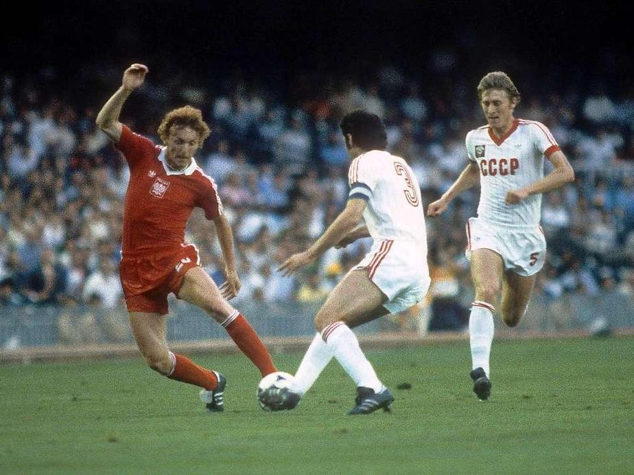 Boniek in Polonia-URSS - footballinussr.fmbb.ru