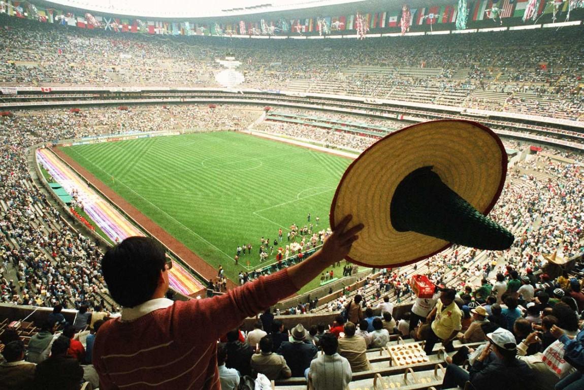 Sombrero e Azteca - remezcla.com